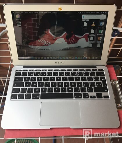 MacBook Air 11-INCH, MID 2012