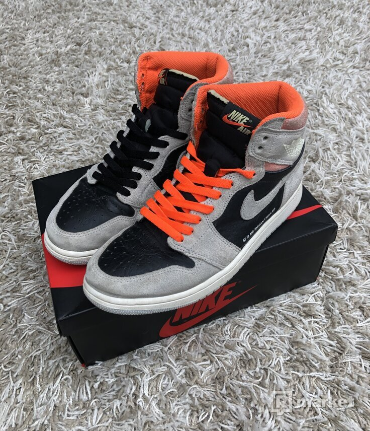 Nike Air Jordan 1 High Hyper Crimson