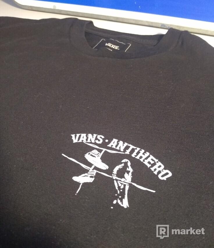 VANS- ANTIHERO