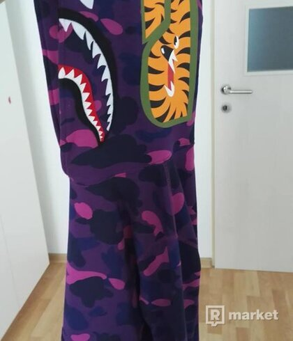 BAPE camo shark purple mikina