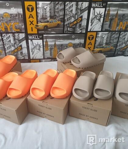 Yeezy Slide Pure a Enflame Orange