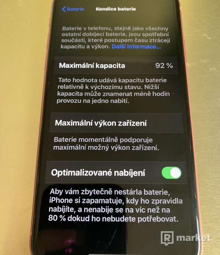 iPhone XR 64gb korálově červená