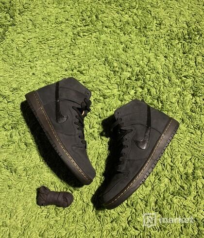 Nike SB Dunk high Doc Martens