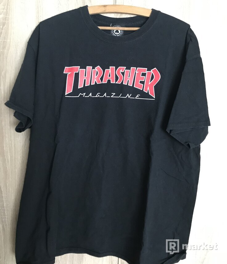 Tričko thrasher outlined