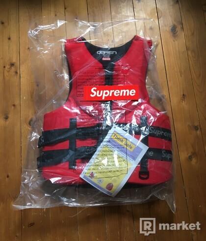 Supreme O'Brien Life Vest