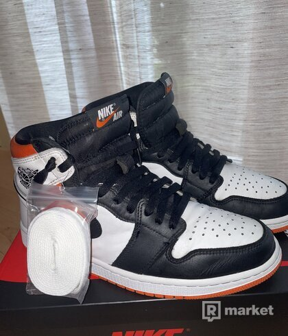 Air Jordan 1 High Electro Orange